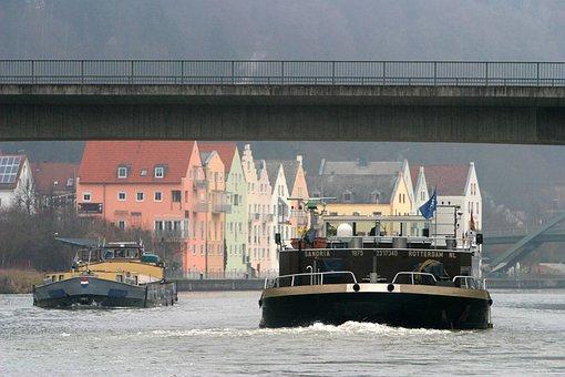Riedenburg, Against Traffic, Main Danube Canal