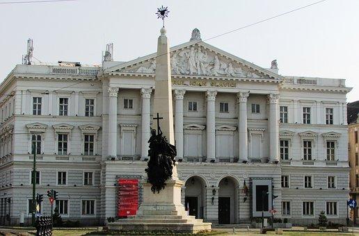 State Theatre, Arad, Transylvania, Center, Statue