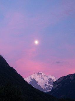Alpenglühen, Virgin, Bernese Oberland, Mountains