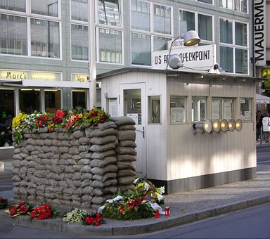 Checkpoint Charlie, Barrack, Berlin Wall Museum