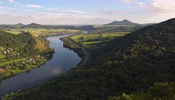 Gateway To The Czech Republic, české Středohoří