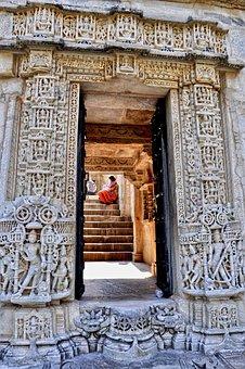 Dzinijska Temple, Religion, Stone, Architecture