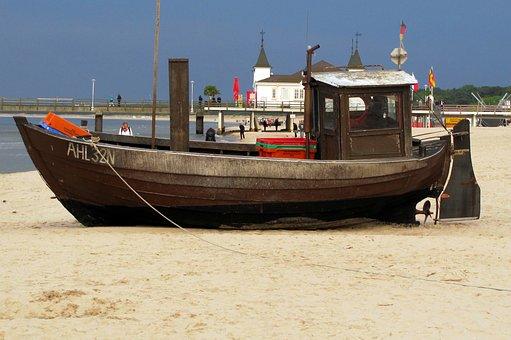 Usedom, Baltic Sea Resort Of Ahlbeck, Beach, Sand
