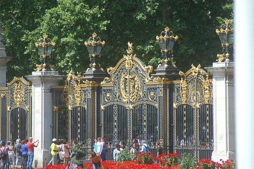 London, England, Queen, Buckingham, The Crowd
