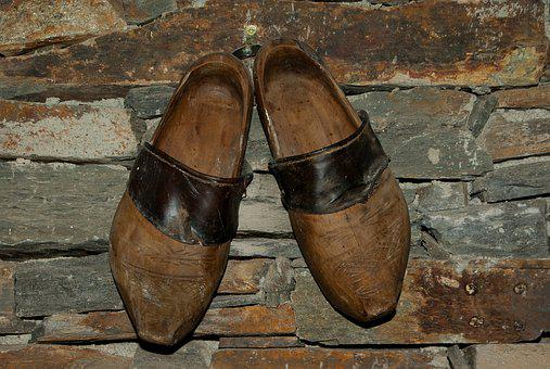 Wooden Shoes, Shoes, Field