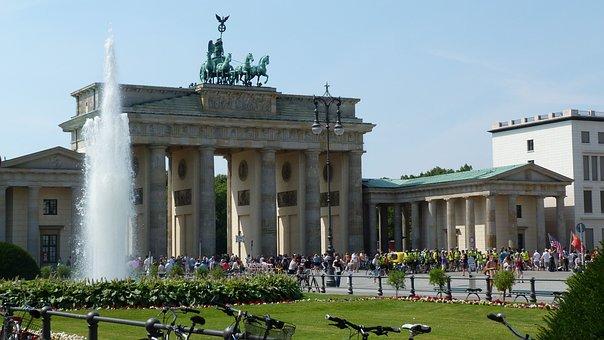 Brandenburg Gate, Berlin, Summer
