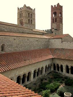 Cloister, Cathedral, Elne, Catalan, France, Roussillon