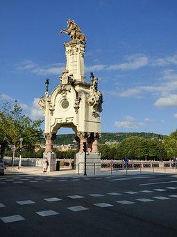 San Sebastian, Spain, Obelisks, Sculptures