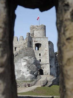 Ogrodzieniec, Poland, Castle, History, The Ruins Of The