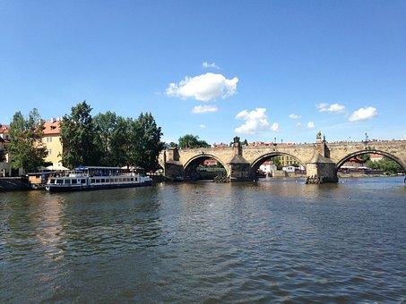 Vltava, Prague, Steamer, River, Charles Bridge, Bridge