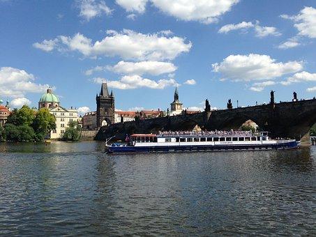 Steamer, Prague, Vltava, River, Charles Bridge, Bridge