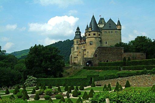 Bürresheim Castle, Eifel, Vulkaneifel, Castle, Park