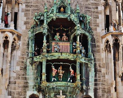 Town Hall, Glockenspiel, Schäffler Dance, Munich