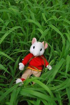 Mouse, Toy, Grass, Outside, Nature, Stuart, Little
