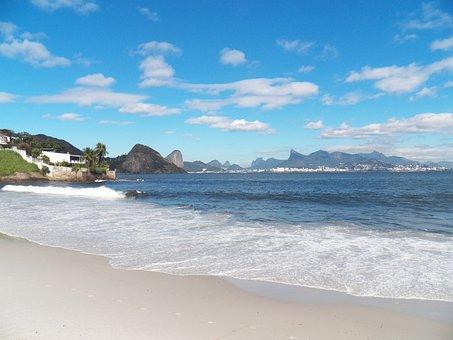 Niterói, Tourism, Beach
