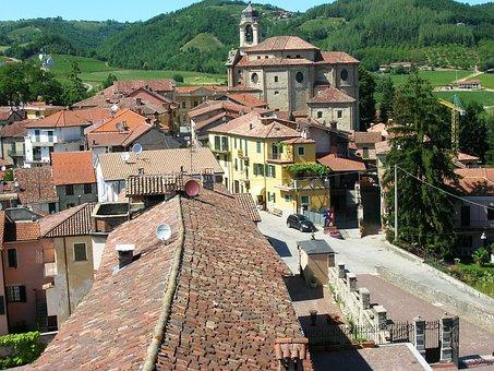 Piemonte, Langhe Monferrato, Bubbio, Parish Church