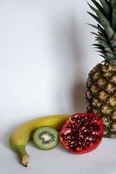 Banana, Raspberries, Kiwi, Pineapple, Pomegranate
