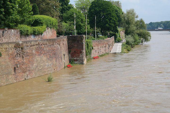 High Water, City Wall, Promenade, Ulm, Bank, Embankment