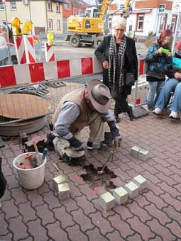 Stolpersteine, Hockenheim, Construction, Memorial