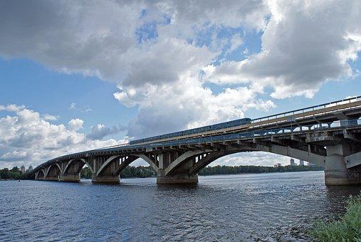 Ukraine, Kiev, Kyiv, Dnieper, Metro Bridge