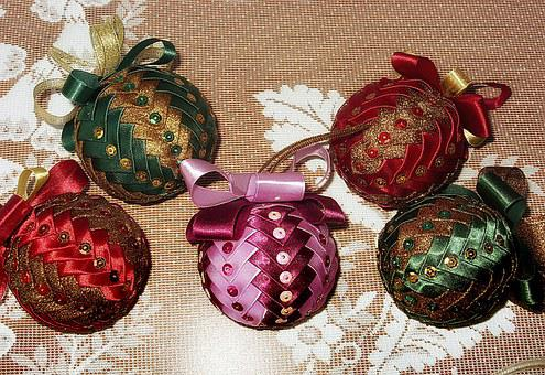 Christmas Baubles, Christmas Balls, Baubles, Needlework