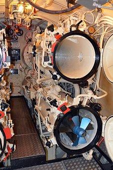 Submarine, Underwater Boat, Torpedo Tube, Torpedo