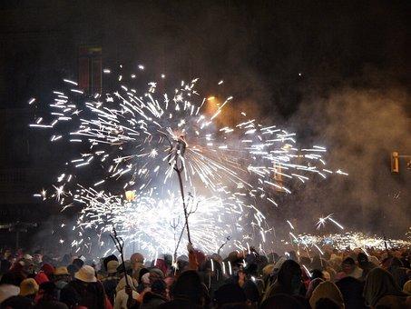 Correfocs, Traditions, Barcelona