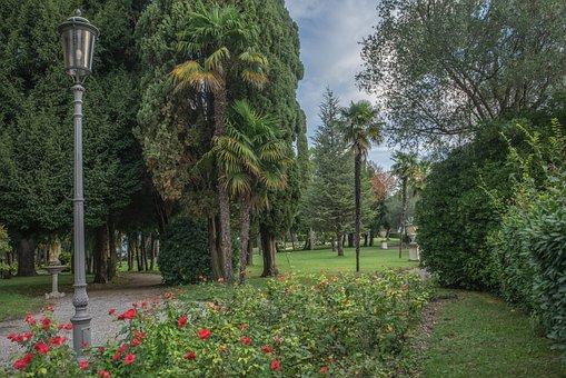 Lake Garda, Sirmione, Italy, Villa Cortine, Nature