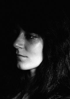 Girl, Eye, Dark, The Secrets Of, Petra, černobílí, Kiss