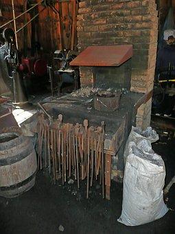Blacksmith, Locksmithery, Locksmith Shop, Old, Tools