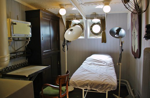 Ship's Doctor, Doctor's Lounge, Exam Room, Bed, Liège