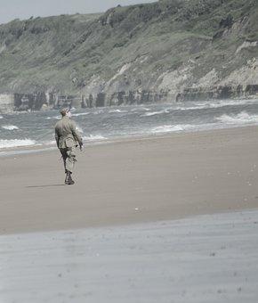 Soldier, Walk, Only, Beach, Normandy, Landing, Ocean