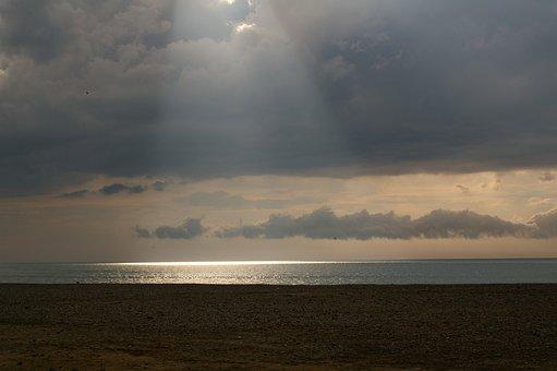 Beach, Sun's Rays, Sea, Reflections On The Water