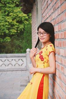 Vietnamese, Girl, Slitted Skirt Length, Fashion, Model