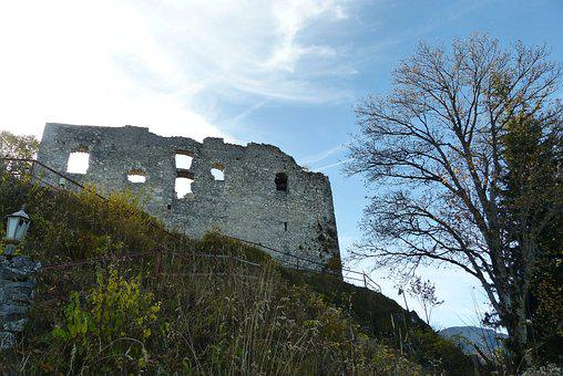 Ruin Falkenstein, Falkenstein