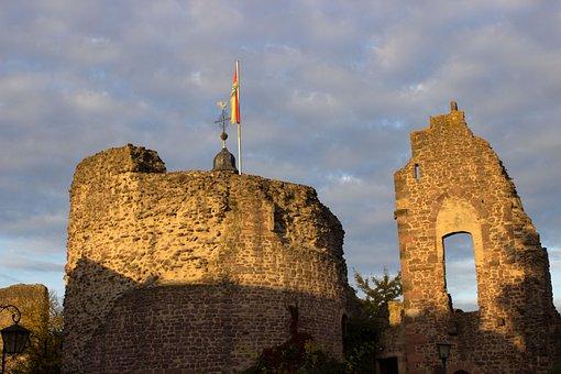 Tags Burgruine, Three Oak Grove, Castle, Historically