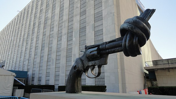 The Knotted Gun, Sculpture, Non-violence, New York City