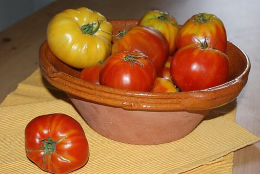 Heirloom Tomatoes, Bowl Terra Cotta, Table, Table Linen