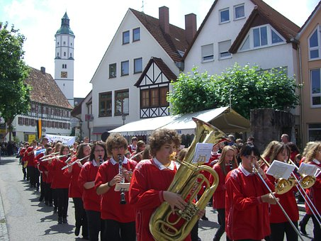 Brass Band, Langenauer Schwäble, Red Baby Coat, Uniform