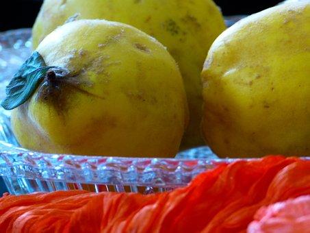 Quince, Fruit, Pome Fruit, Cydonia Oblonga