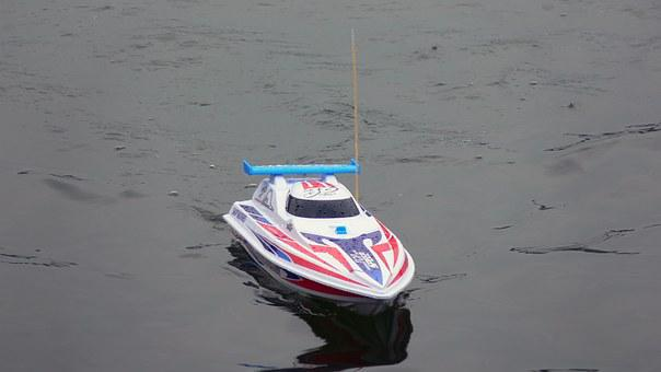 Remote Control Boat Model, Science And Technology