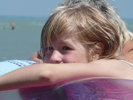 Swim, Girl, Hair, Sun, Wet, Air Mattress, Skin, Blond