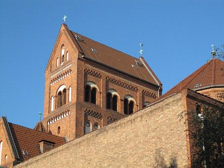 Rosenkranz-basilika, Berlin, Church, Saddleback Roof