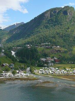 Overlooking Geiranger, Geiranger, Geirangerfjord, Place
