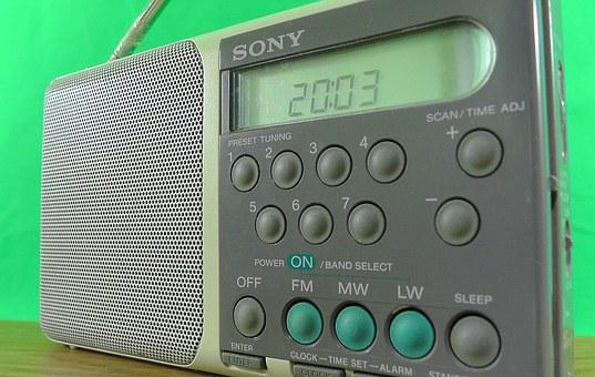 Radio, Small, Green Background, Antenna, Buttons