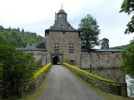 Crottorf, Castle, Moated Castle, Old Bridge