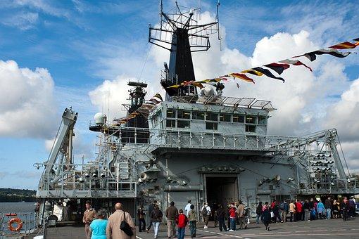 Hms Bulwark, Amphibious Dock, Royal Navy Open Day
