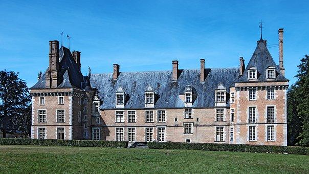 Castle, Saint-amand In Puisaye, Museum Sandstone