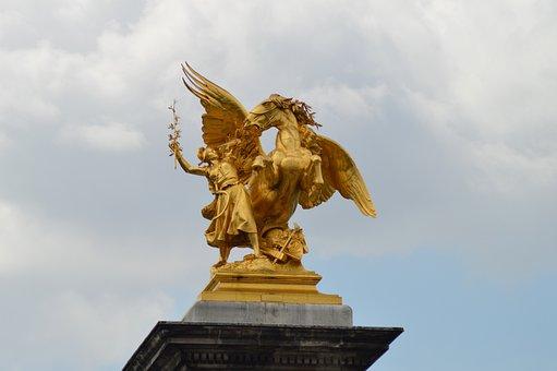The Reputation Of Science, Alexandre Iii Bridge, Statue