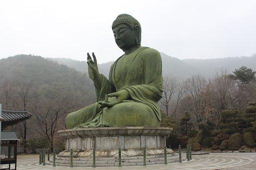 Cheonan, Taejo Mountain, Bronze Amitabha Statue